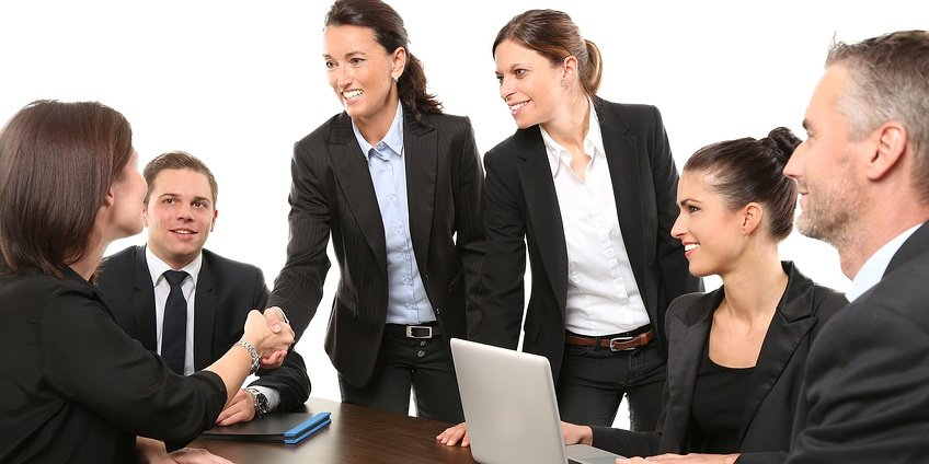 Do You Know the Benefits of a Workplace Uniform?