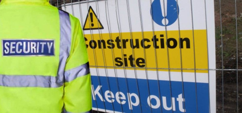 Image shows construction site sign warning