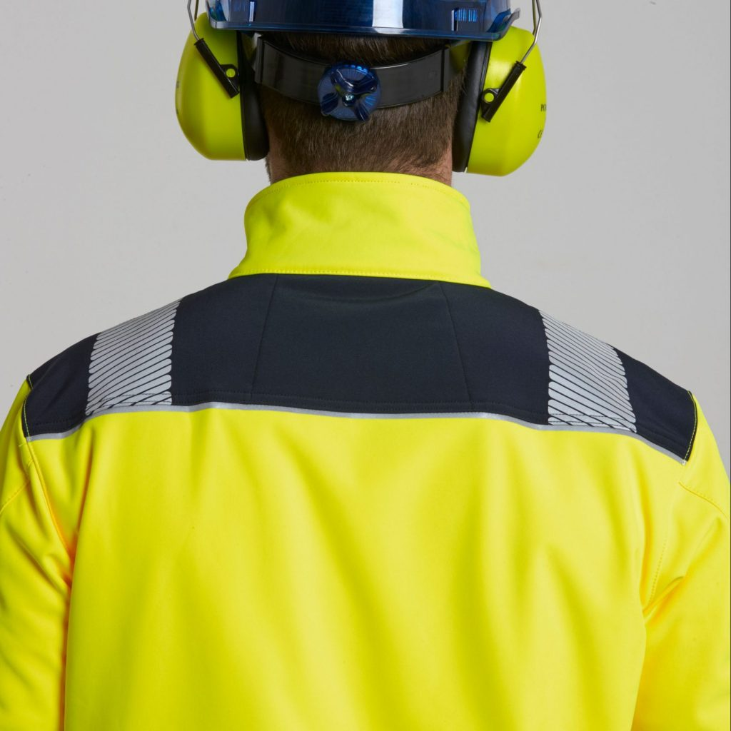 Hi Vis contrast material on shoulders